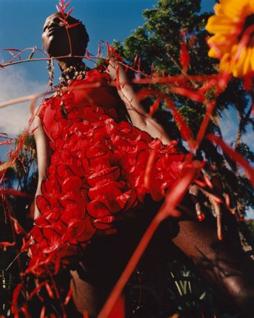Shanelle Nyasiase for Alexander McQueen Spring 2018 Campaign-1