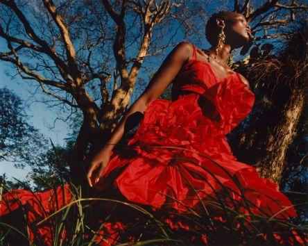 Shanelle Nyasiase for Alexander McQueen Spring 2018 Campaign-7