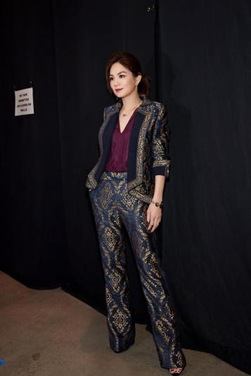 Ella Chen in Tadashi Shoji Fall 2017-1