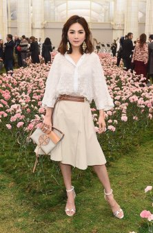 Ella Chen in Tory Burch Spring 2018-4