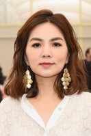 Ella Chen in Tory Burch Spring 2018-6