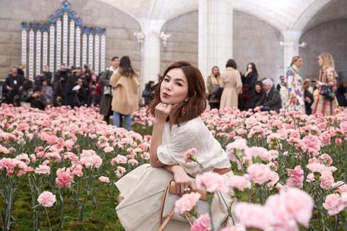 Ella Chen in Tory Burch Spring 2018-7