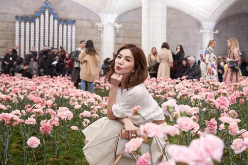 Ella Chen in Tory Burch Spring 2018-7