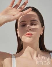 Felicity Jones for Harper's Bazaar China March 2018-1