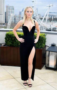 Jennifer Lawrence in Versace Pre-Fall 2018-1