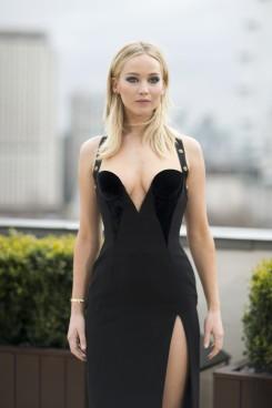 Jennifer Lawrence in Versace Pre-Fall 2018-5