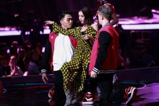Jolin Tsai in Preen by Thornton Bregazzi Fall 2017-3