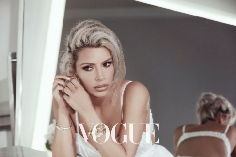 Kim Kardashian Vogue Taiwan February 2018-4