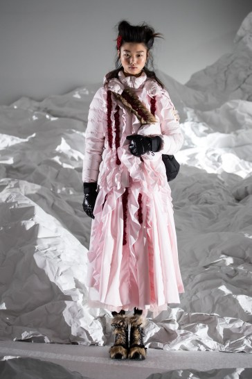 Moncler Fall 2018 by Simone Rocha Look 18