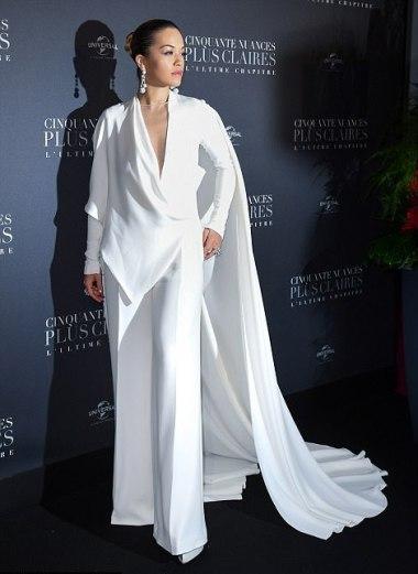 Rita Ora in Stéphane Rolland Spring 2018 Couture-3