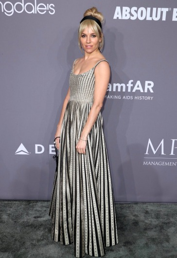 Sienna Miller in Christian Dior Spring 2018 Couture-1