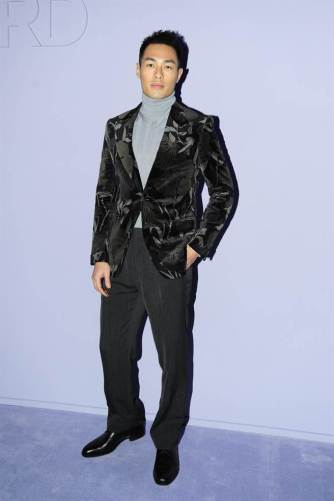 Yang Yo Ning in Tom Ford Fall 2017 Menswear-1