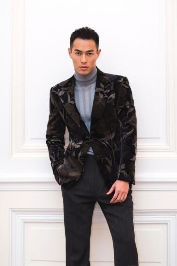 Yang Yo Ning in Tom Ford Fall 2017 Menswear-3
