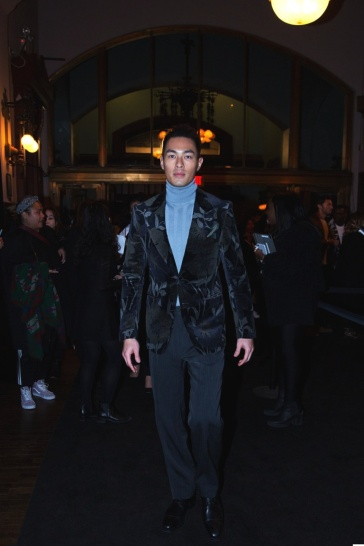 Yang Yo Ning in Tom Ford Fall 2017 Menswear-4