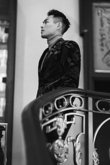 Yang Yo Ning in Tom Ford Fall 2017 Menswear-5
