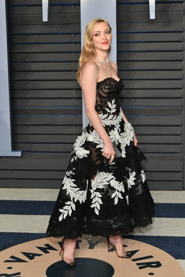 Amanda Seyfried in Oscar de la Renta Fall 2018-2