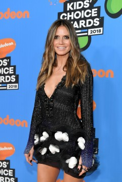 Heidi Klum in Redemption Fall 2017 Couture-2