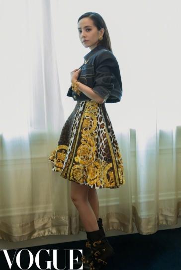 Jolin Tsai in Versace Spring 2018-12