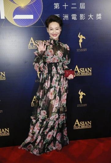 Kara in Dolce & Gabbana Spring 2018