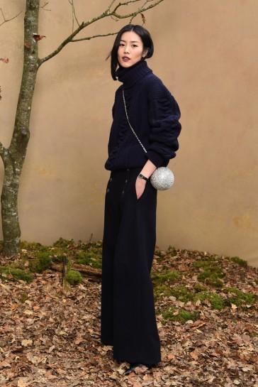 Liu Wen in Chanel Pre-Fall 2018-3
