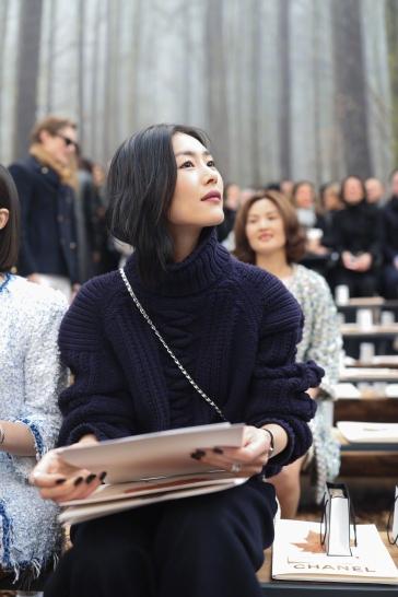 Liu Wen in Chanel Pre-Fall 2018-6