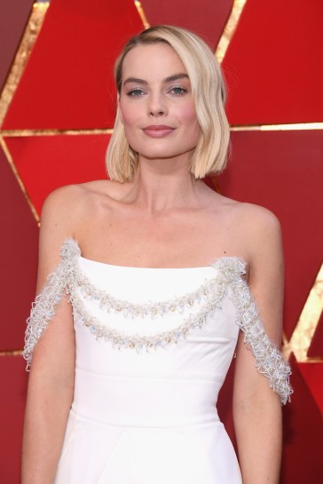 Margot Robbie in Chanel Couture-2