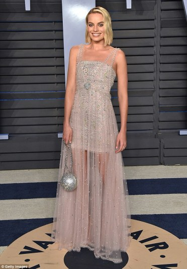 Margot Robbie in Chanel Spring 2018 Couture