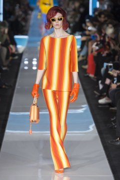 Moschino Fall 2018 Look 32