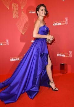 Penelope Cruz in Atelier Versace-6