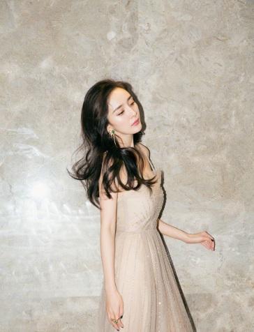 Yang Mi in Gucci Spring 2018-2