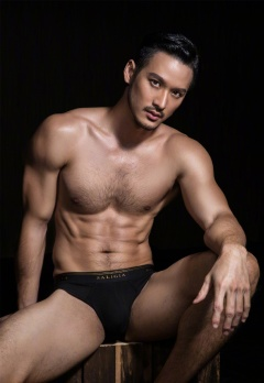 Yeechan Hung for SaligiaMen Underwear 2018 Campaign-10