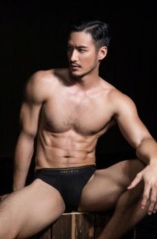 Yeechan Hung for SaligiaMen Underwear 2018 Campaign-12