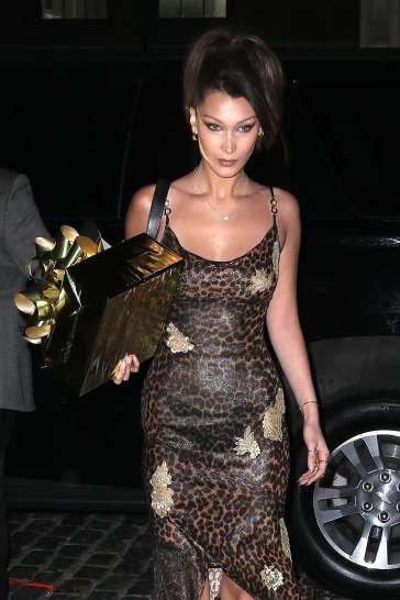 Bella Hadid in Dior Fall 2000-1