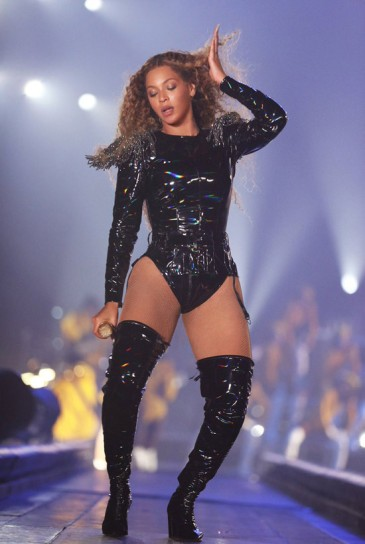 Beyonce in Balmain-1