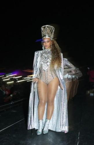 Beyonce in Balmain-2