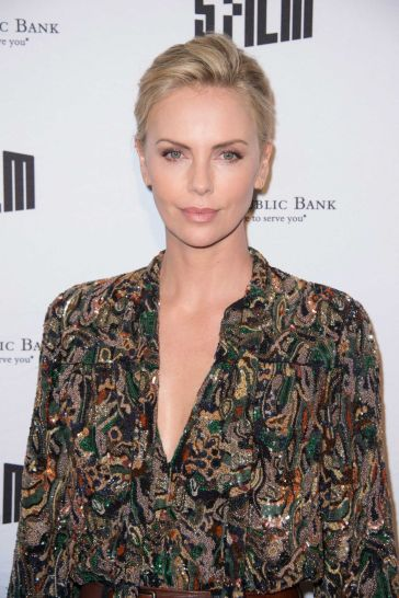 Charlize Theron in Saint Laurent Spring 2018-1