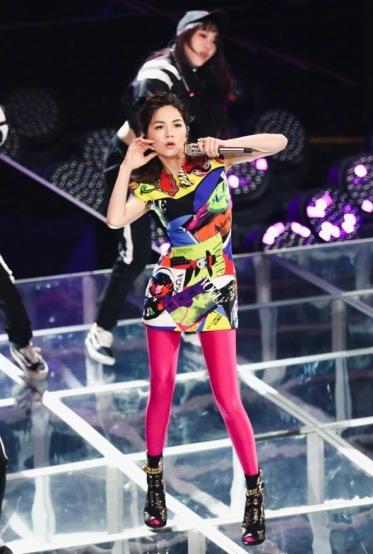 Ella Chen in Versace Spring 2018-3