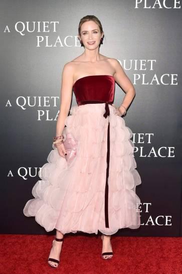 Emily Blunt in Oscar de la Renta Fall 2018-3
