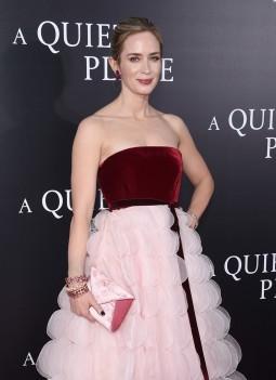 Emily Blunt in Oscar de la Renta Fall 2018-6