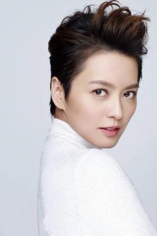 Gigi Leung Wing Kei for ELLE HK May 2018-6