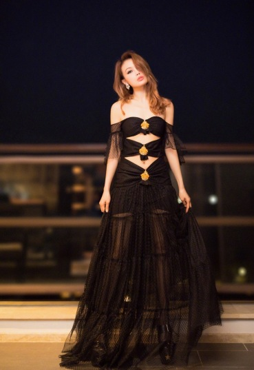 Joey Yung in Raisa and Vanessa Spring 2018-1