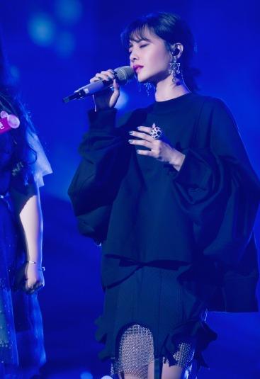 Jolin Tsai in Vera Wang Spring 2018-1