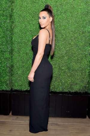 Kim Kardashian in Versace Spring 2018-1