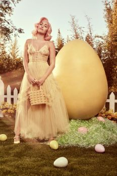Miley Cyrus for Vogue US Easter 2018-11