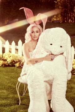 Miley Cyrus for Vogue US Easter 2018-6
