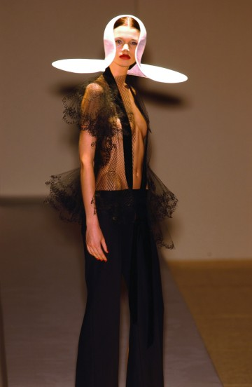 Philip Treacy 2001 秋冬高級訂製服