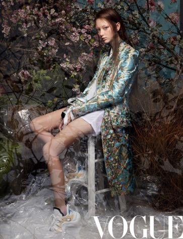 Sarah Grace for Vogue China May 2018-4