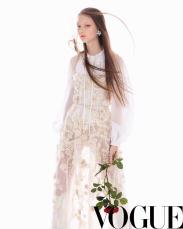 Sarah Grace for Vogue China May 2018-8