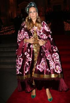 Sarah Jessica Parker in Dolce & Gabbana Fall 2016 Couture-3