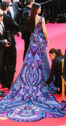 Aishwarya Rai in Michael Cinco Couture-5